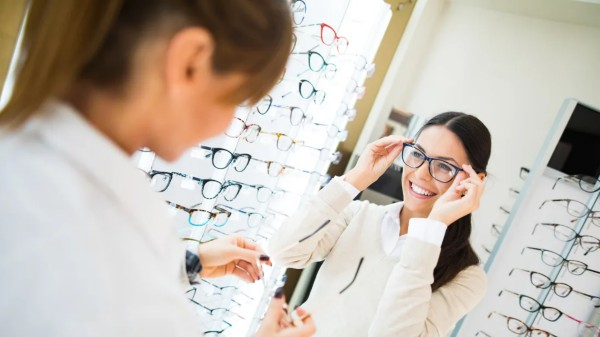 BENEFITS OF IN-OFFICE FRAME SELECTION AND PURCHASE